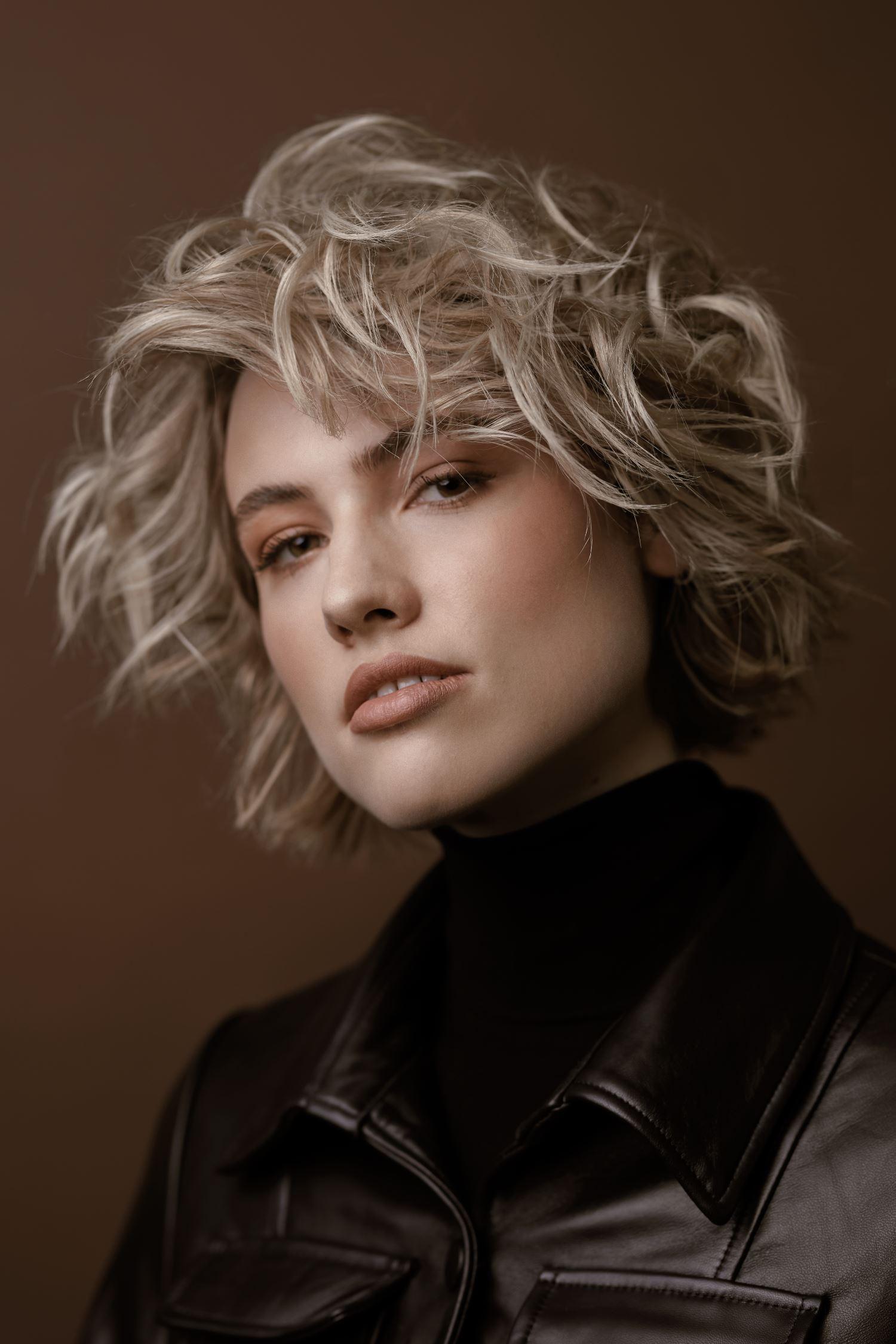 Salon Edinger Slider 30 Jahre Friseur Linz female model 1500 x 2250